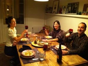 En nuestra mesa con Elena y Tatu