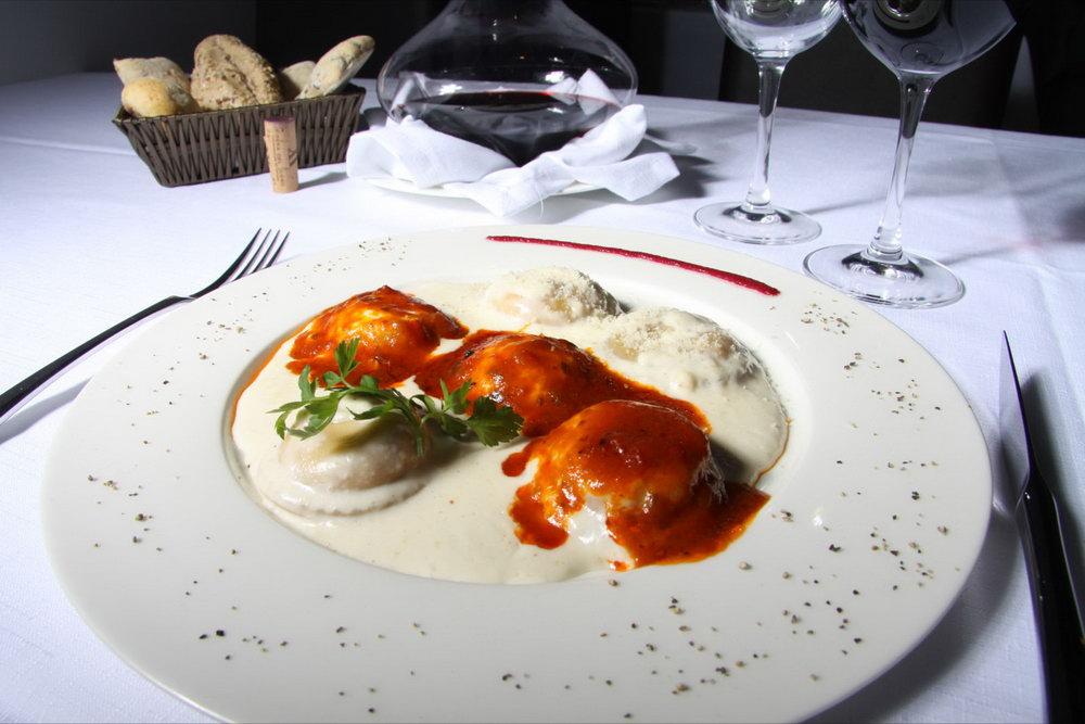 Raviolis con salsa 4 quesos
