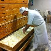 Fermentación del pan en mueble tradicional