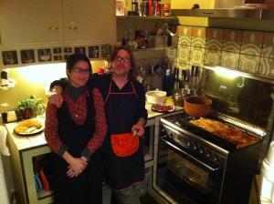 Fabian y Mónica en su cocina