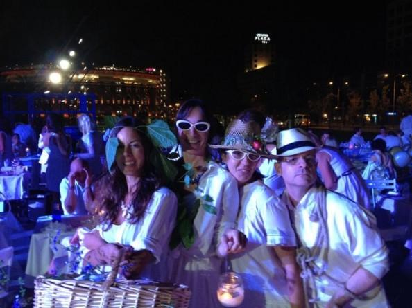 Lisi, Elena, Lydia y Gilberte en Le Diner en Blanc Barcelona