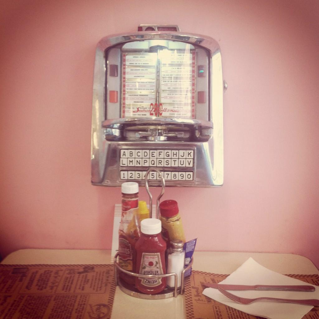 La mesa del Peggy Sue