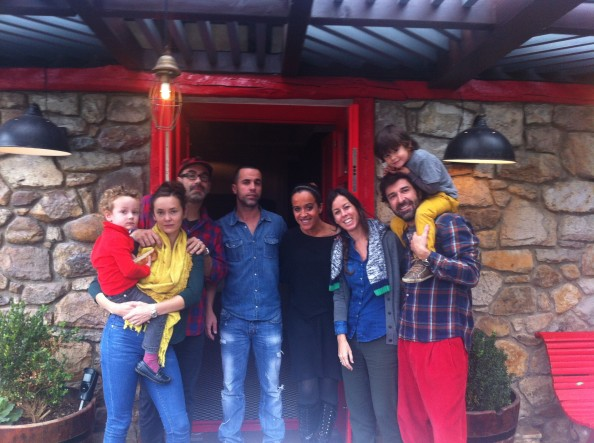 Telmo, Sarah, Henry, Joseba, María, Lisi, Alex y Simón
