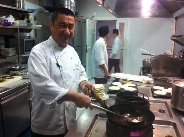 Jose Maria Kao en la cocina del Shanghai