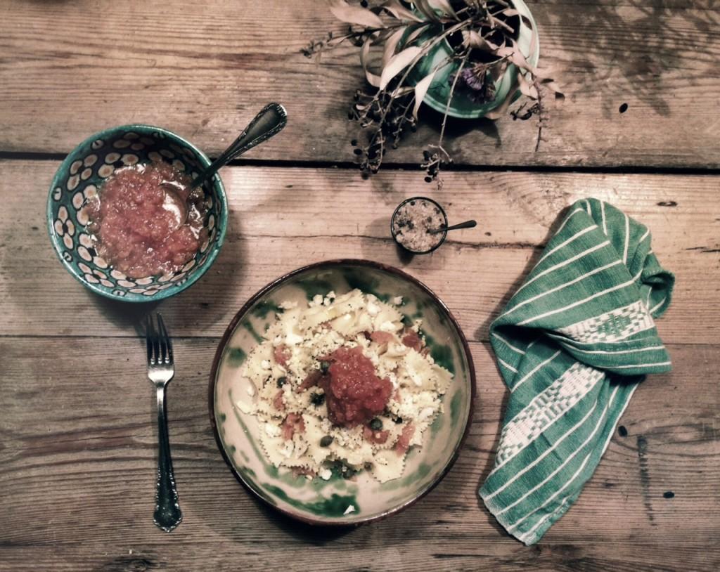 Pasta con salmón y alcaparras