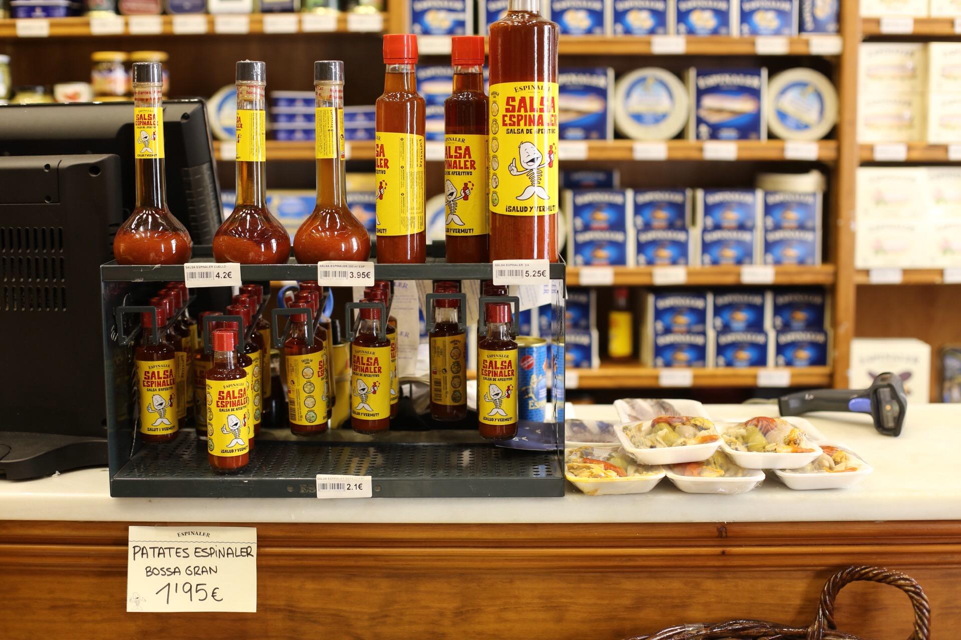 La tienda donde venden su salsa entre otros productos