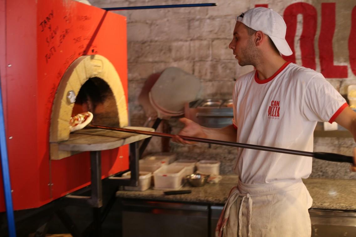 Un maestro pizzero de Can Pizza