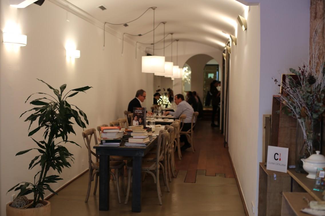 El interior del restaurante Sergi de Meià