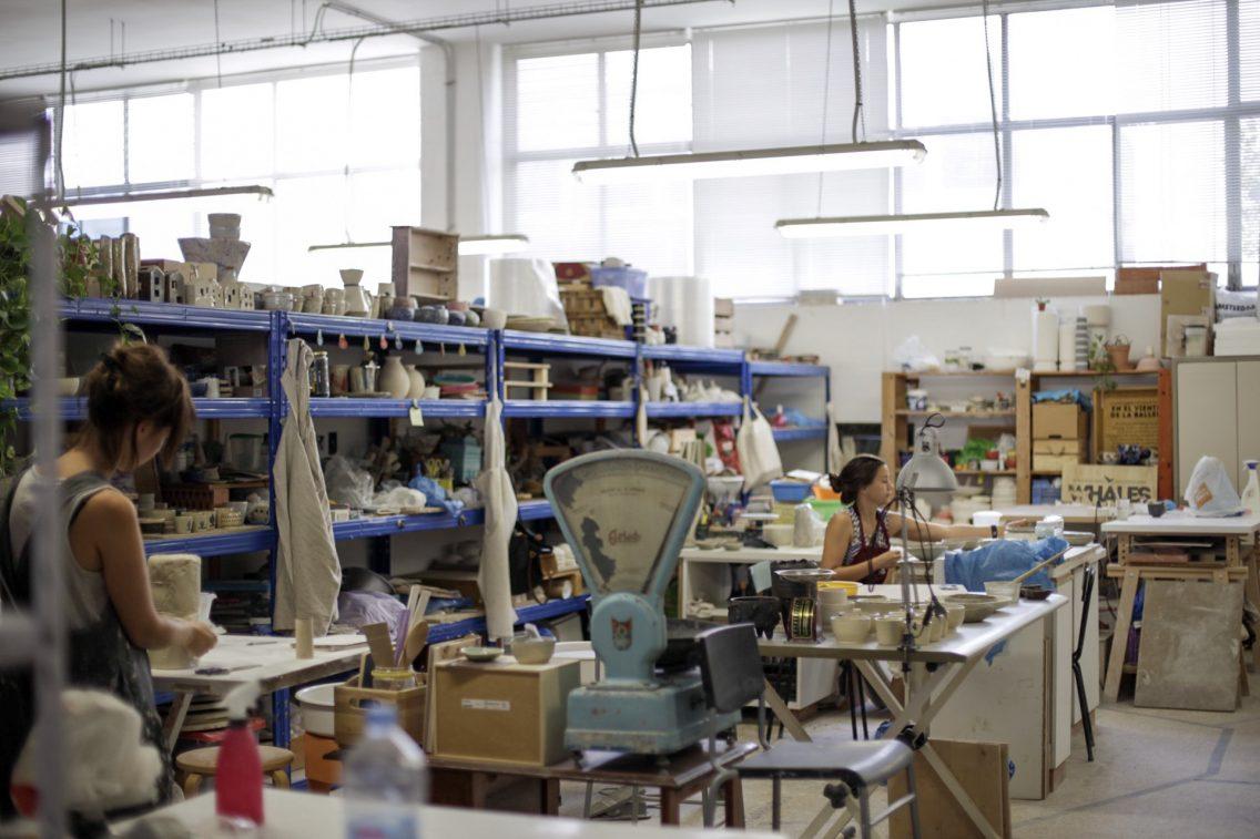 La zona del estudio de los artistas ceramistas