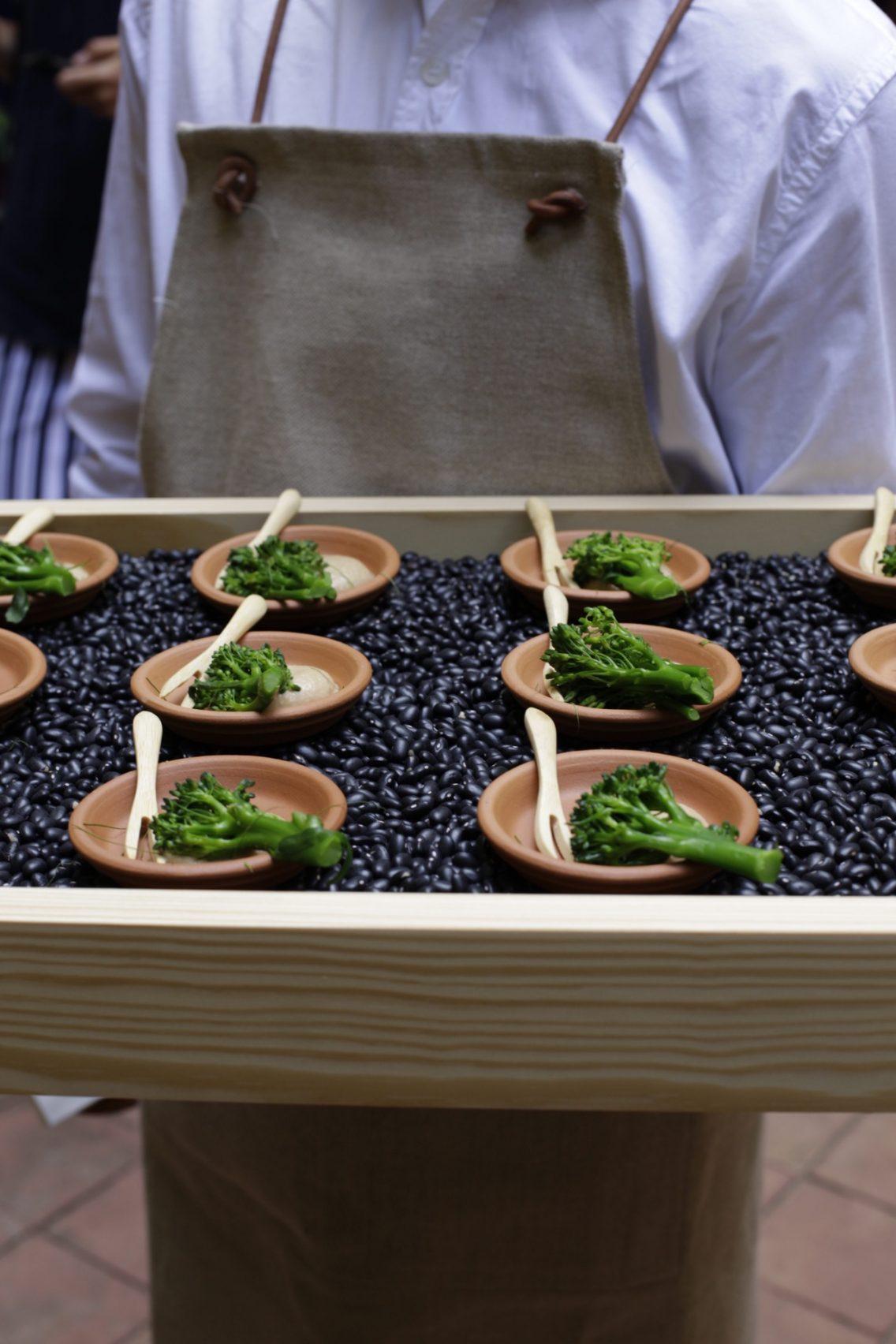Bonita presentación de la bandeja del catering de Hermés