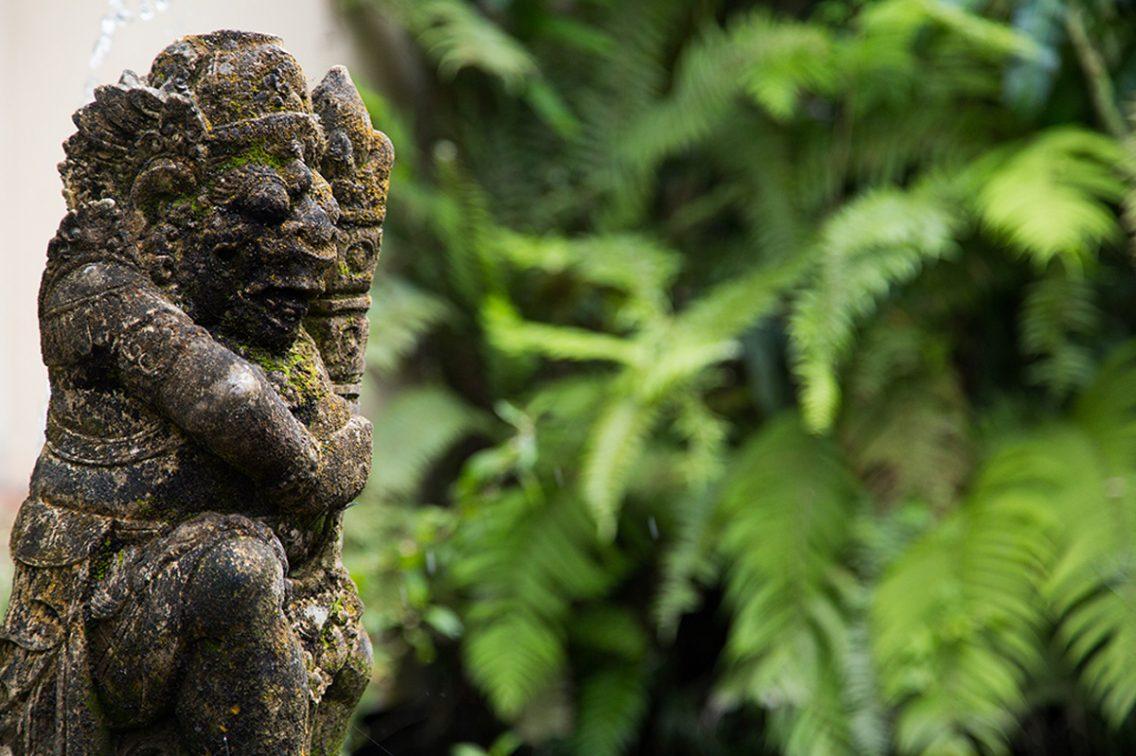 Una representación común de los dioses de Bali