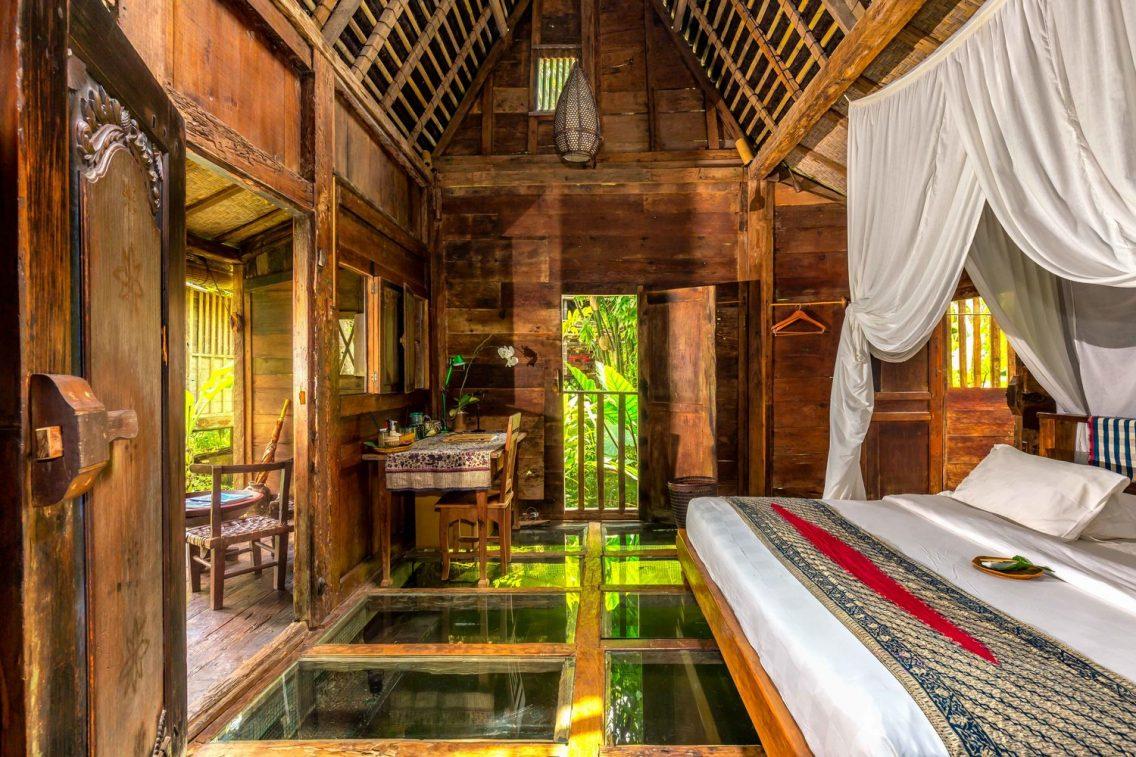 El bonito interior del Bambú Indah